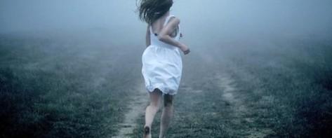 woman_running_away-600x250